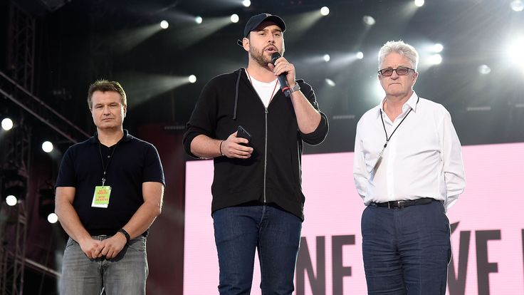 Scooter Braun Thanks Ariana Grande Sends Message of Hope in Speech at One Love Manchester Concert  The benefit organized by Ariana Grande and her team features performances by Grande Justin Bieber Coldplay The Black Eyed Peas and several other A-list stars.  read more