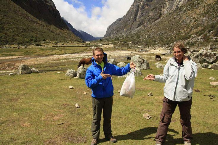 Durant le trek de Santa Cruz, dans les montagnes péruviennes, nous avons à nouveau sévi. Ce n'était pas prévu, nous n'avions d'ailleurs pas pris nos gants avec nous, mais malheureusement même en pleine montagne les déchets sont présents. Difficile de...