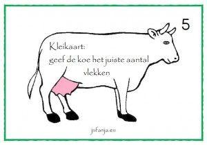 Kleikaarten lente/ boerderij: geef de koe het juiste aantal vlekken (cijfers 1 t/m 10 óf dobbelsteenstructuur) jufanja.eu
