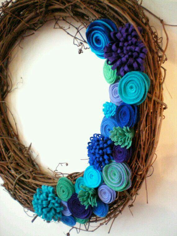 Felt & grapevine wreath...love the colors