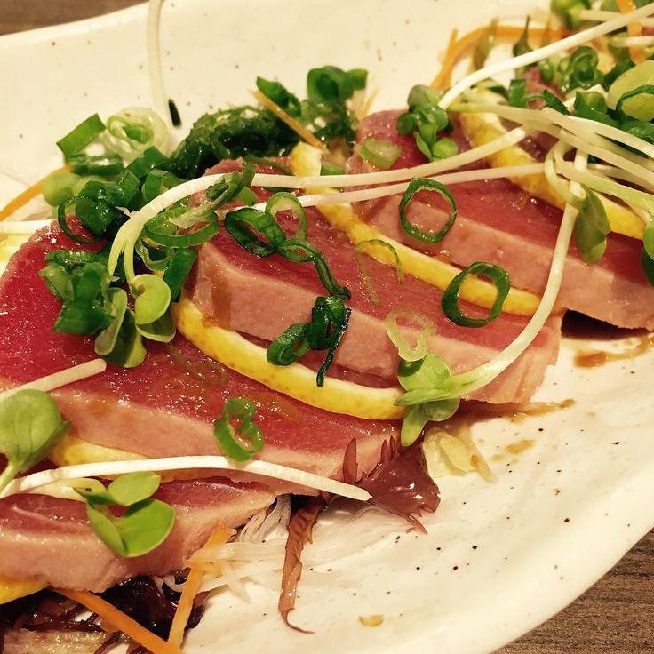 Tuna tataki salad.  #food #tuna #foodporn #tataki #먹방 #먹스타그램 #맛스타그램 #데일리 #미시간 #참치 by jsrokpark