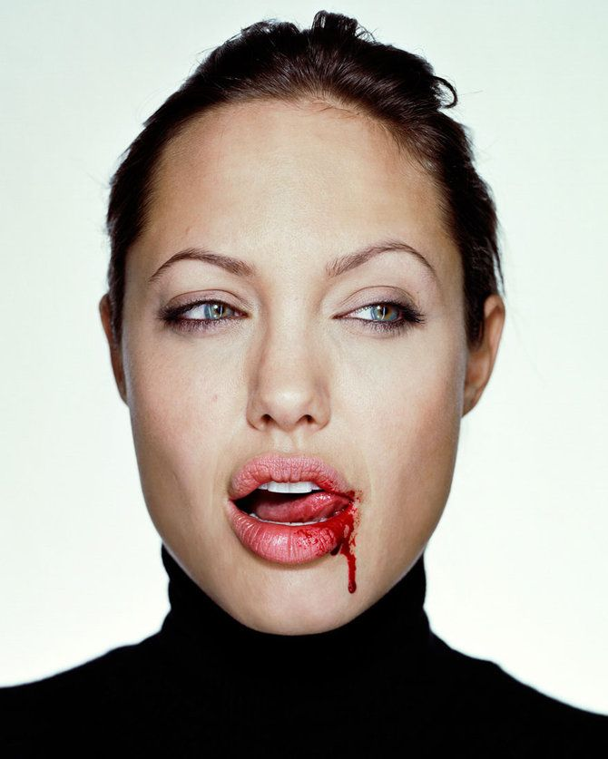 Some really interesting and great shots    http://www.flixya.com/blog/3867306/Photographer-Martin-Schoeller#