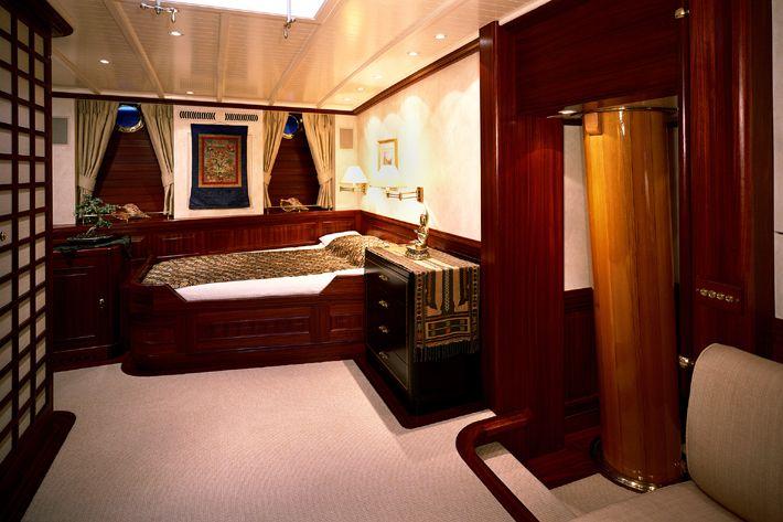 85491d1382016257-steel-schooner-designs-shenandoah-bedroom-interior.jpg (710×473)