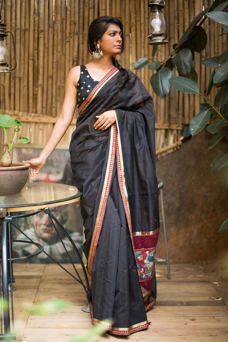 For all the lovers of black…heads up! Mysterious black and yet cool and breathable in cotton, comfort and style in a neat package. The Kalamkari and cutwork pallu touch to totally up your diva game.A black blouse or a maroon blouse for a sure fire pairing. Or go all out in any one of the Kalamkari colors and flaunt your mix and match vibe! #kalamkari #saree #India #blouse #houseofblouse