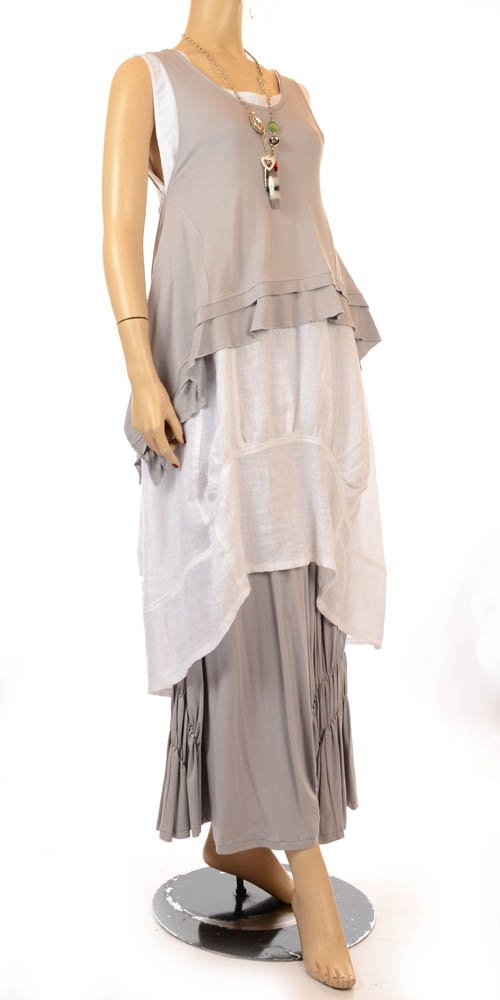 lagenlook...love the hem on the grey top piece