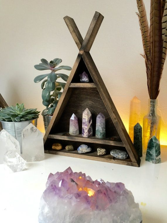 17 best images about Crystals for Sacred Space on Pinterest Gemstones, Crystal grid and Quartz ...