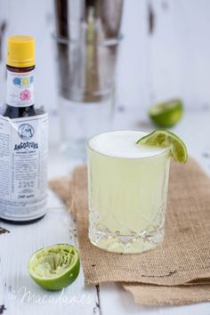 Pisco Sour recipe in my Chilean Spring Dinner Party menu | The Macadames