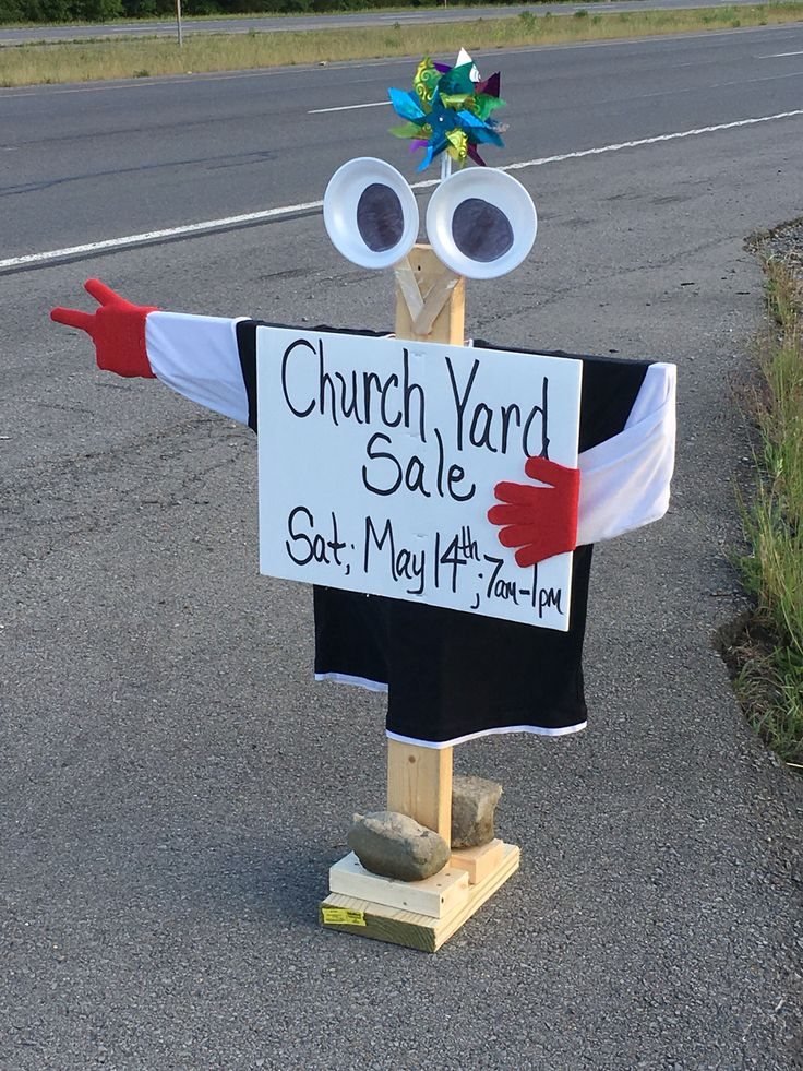 Eye catching yard sale sign