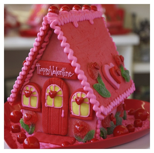 Valentine's gingerbread house... This makes me think of Strawberry Shortcake from when I was a kid!! :)
