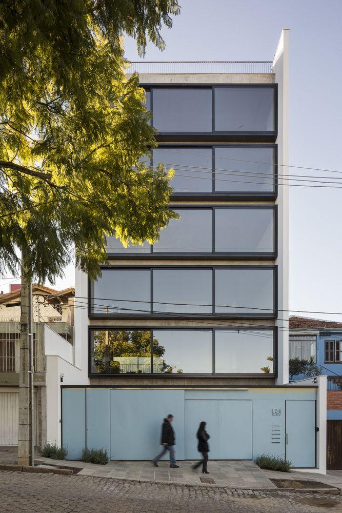 Kiev, Porto Alegre, RS, Brasil / Arquitetura Nacional © Marcelo Donadussi
