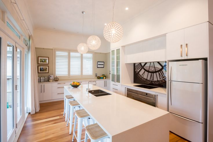 :: Cambridge Villa :: Kitchen area at the rear of the villa featuring butlers pantry & all of the 21st century mod cons