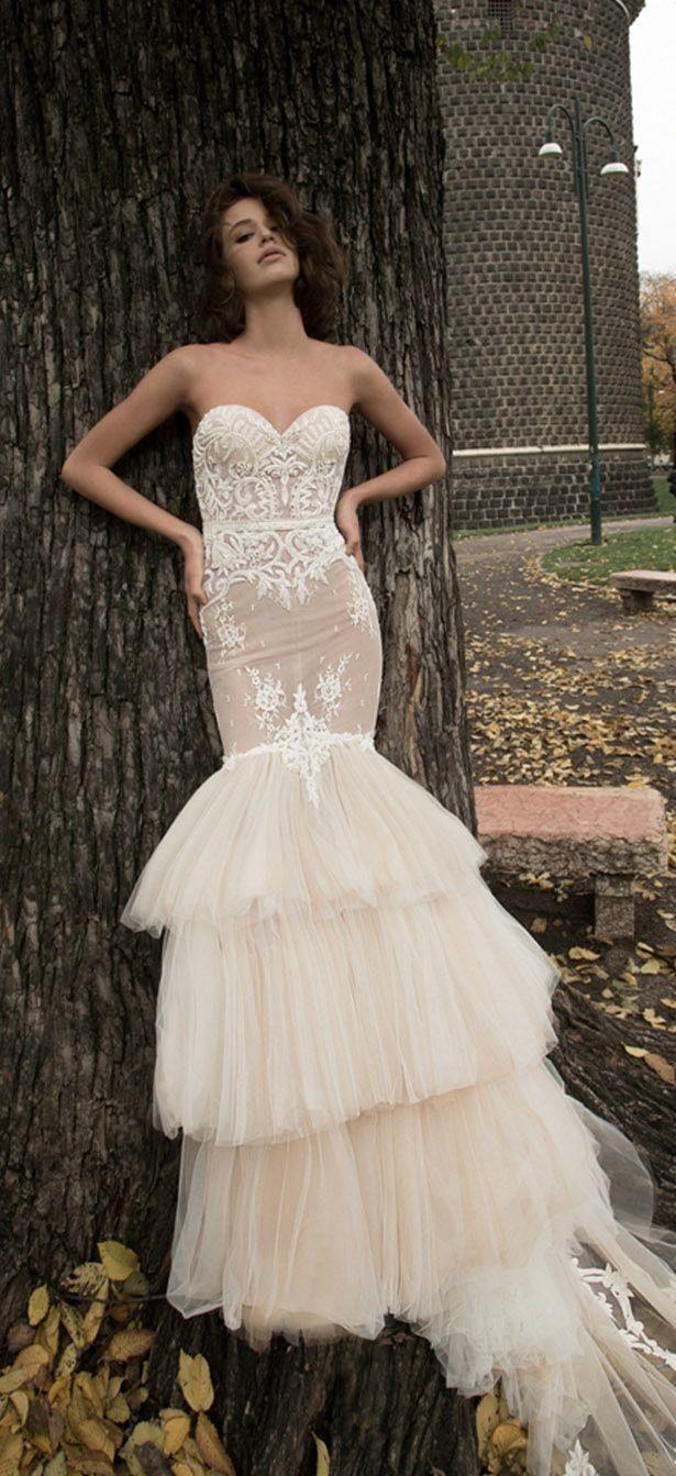 Editor's Picks: 20 Edgy Lace Wedding Dresses - MODwedding