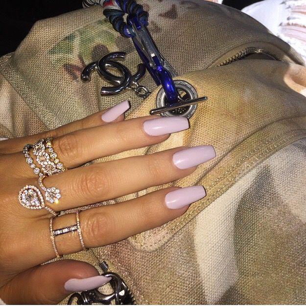 Khloe Kardashian's long acrylic nails. love them!