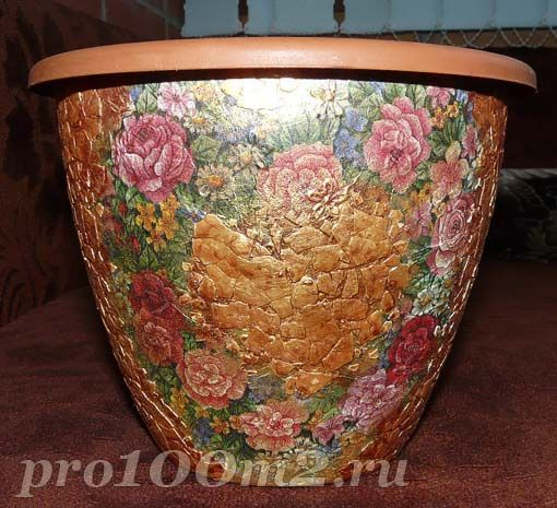Mosaic of eggshell - flower pot (how to) -directions confusing... Figure it out?