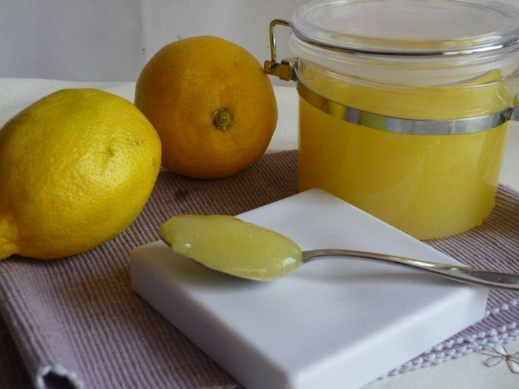 la crema di limone all acqua, una crema dolce, ideale per farciture anche per chi è intollerante al glutine e ai latticini, da gustare anche al cucchiaio
