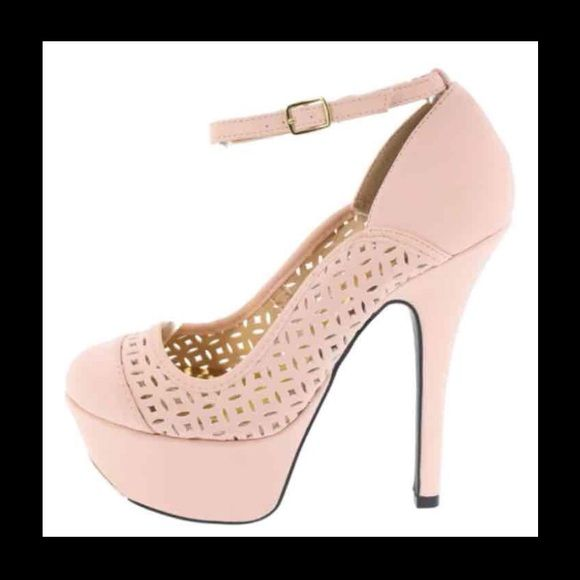 """""""Blush"""" platform stilettos sz 8.5 & 9 Super cute platform stilettos. Available in 8.5 and 9. True to size. 6"""" heel 2"""" platform. Color is called blush. New in box very nice quality all man made materials PRICE FIRM UNLESS BUNDLED Shoes Platforms"""