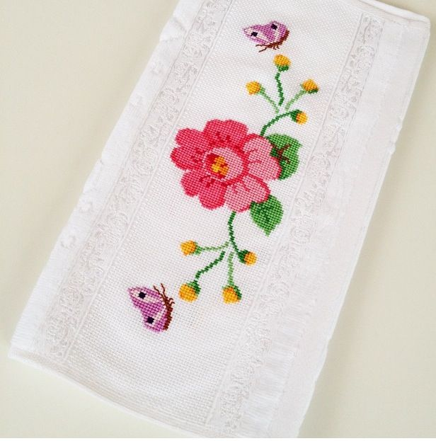 Cross stitch towel / rose