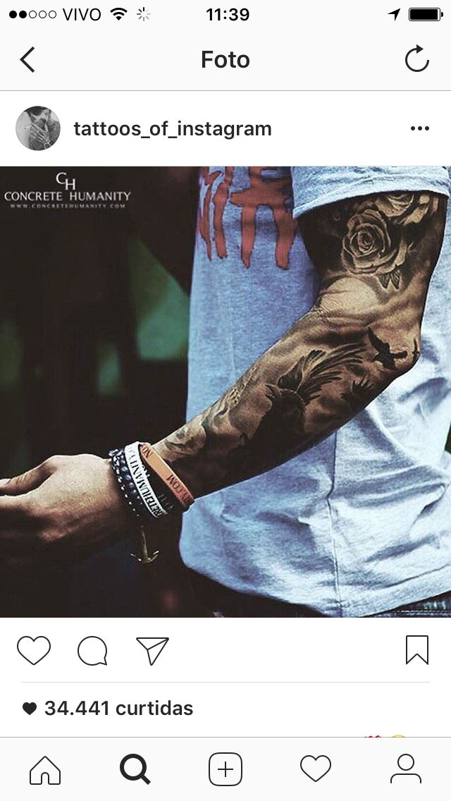 Tatouage Homme Avant Bras Horloge Rose