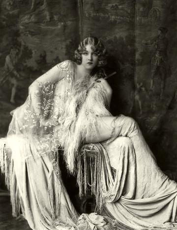 erte ballet COSTUMES | ... the celebrated French chanteuse Irène Bordoni wore Erté's designs
