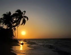 Atardecer en la playa de Barù
