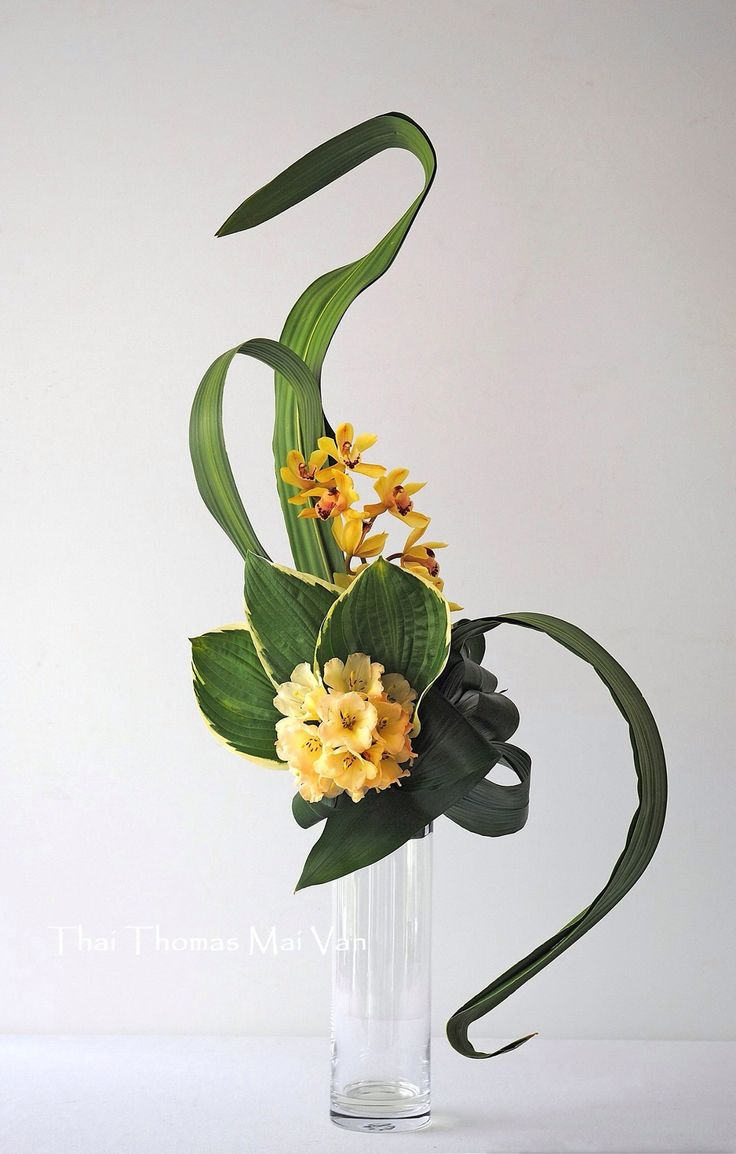 use wire in long leaves to create curve