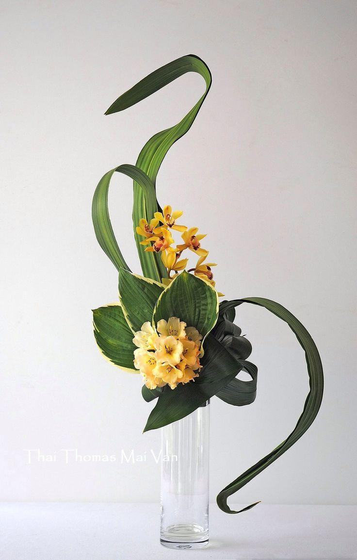 171 best crazy cool sogetsu school images on pinterest art floral floral arrangements and. Black Bedroom Furniture Sets. Home Design Ideas