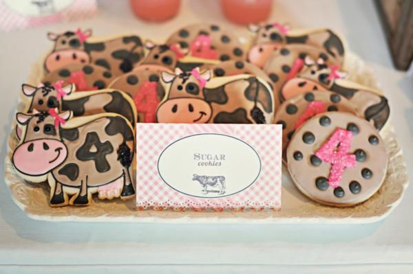 Pink farm birthday {printables by Three Little Monkeys Studio}