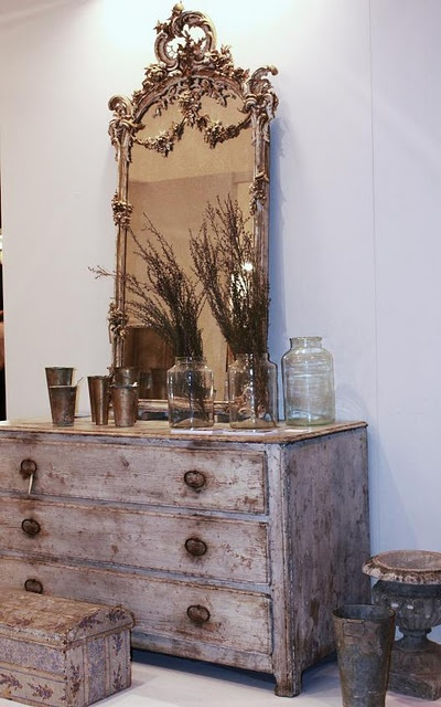 spectacular mirror and chestVintage Mirrors, Painting Furniture, Rustic Charms, Antiques Mirrors, Old World Charms, Home Decor, Male, Old Stuff, Mirrors Mirrors