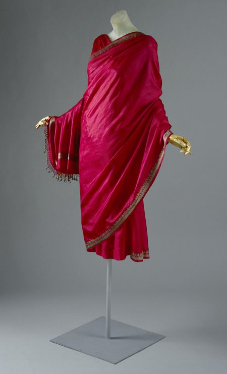 Always sympathetic to the #sari—its function to wrap and its propagation of bias as a consequence of spiraling #drapery—Madame Grès was particularly influenced by her research sojourn in #India in the 1950s.