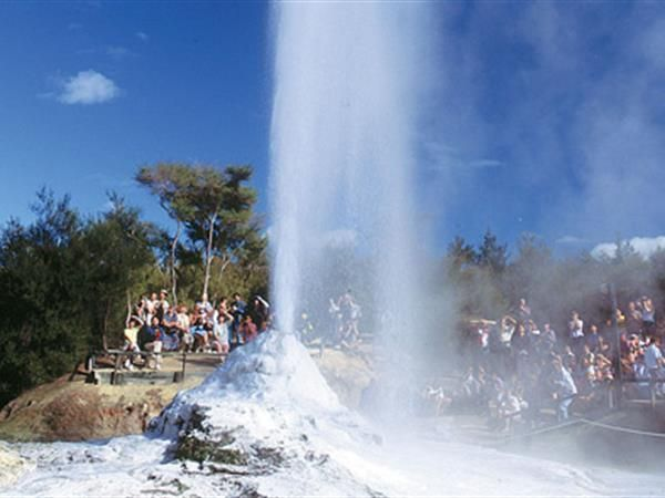 Auckland to Waitomo, Taupo and Rotorua 3 Day Private Tours TIME Unlimited Tours