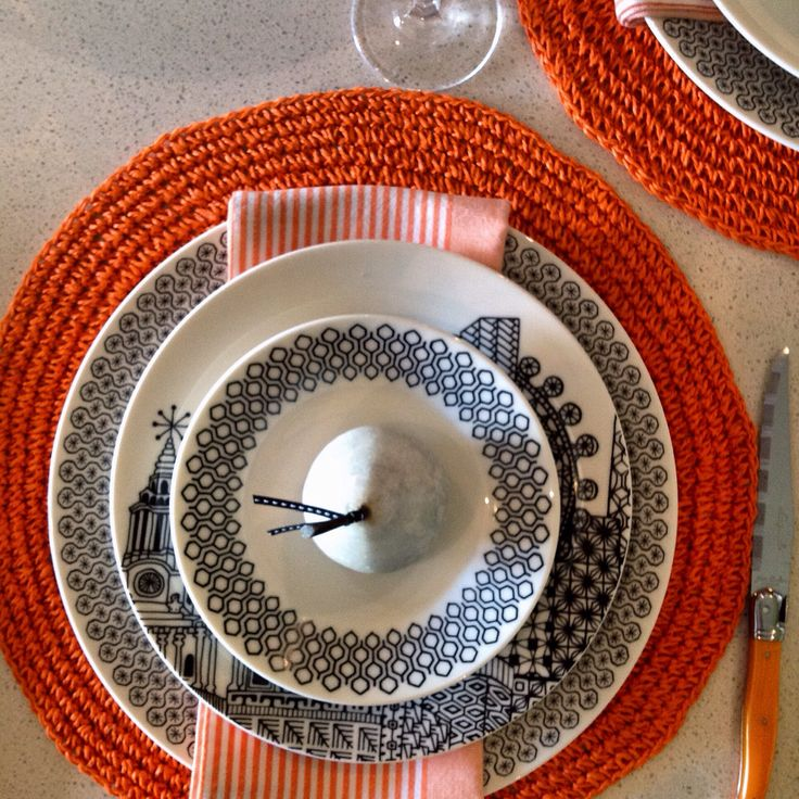 Circles, stripes and stars! Black and white magic set against an orange accent. Contemporary design, sophisticated and striking! #royaldoulton #selfexpression #charlenemullen #designsyouwanttolivewith @royaldoultonau