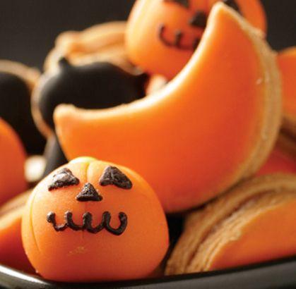 """Nuestro recomendado para que te diviertas como un niño en halloween """"GALLETAS"""" de la #reposteriaastor ...   Ponle Astor a tus días   www.elastor.com.co"""