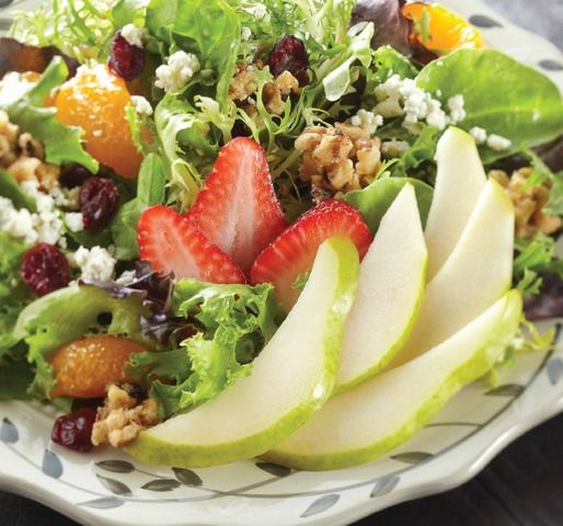 Pear Salad with Walnuts and Gorgonzola