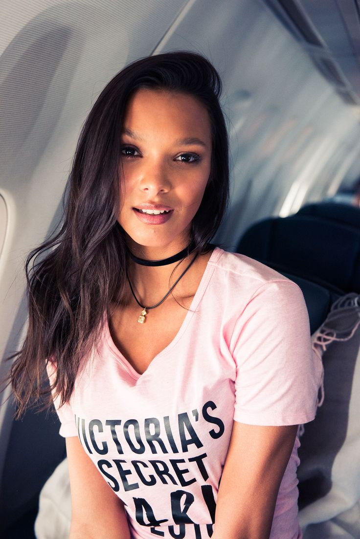 This is what it's like to fly to Paris with the Victoria's Secret Angles: Lais Ribeiro | coveteur.com