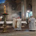 Vigilia Pascual con el Obispo Mons. Luis Urbanč en el Sábado Santo: La resurrección de Jesús es una explosión de luz, un nuevo y definitivo Big Bang, que vence la oscuridad de la muerte