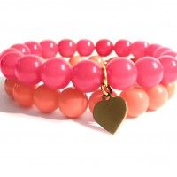 Handmade Bracelet - pink jade & peach shell beads with a gold-plated heart. Find us on: www.labonita.co order: labonita.bizu@gmail.com