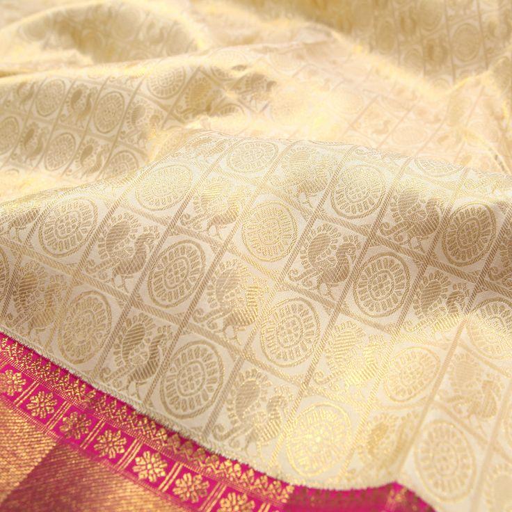 Sarangi Handwoven Kanjivaram Silk Saree - 540128835