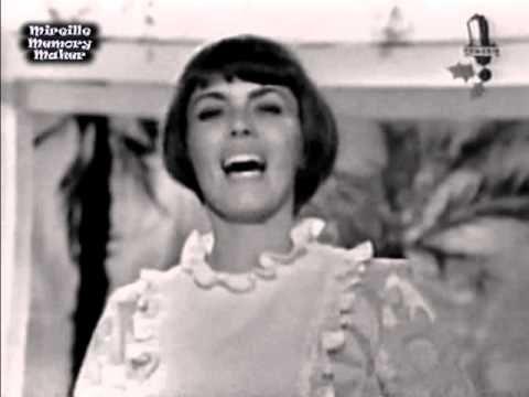 Mireille Mathieu est de retour sur scène après 9 ans d'absence