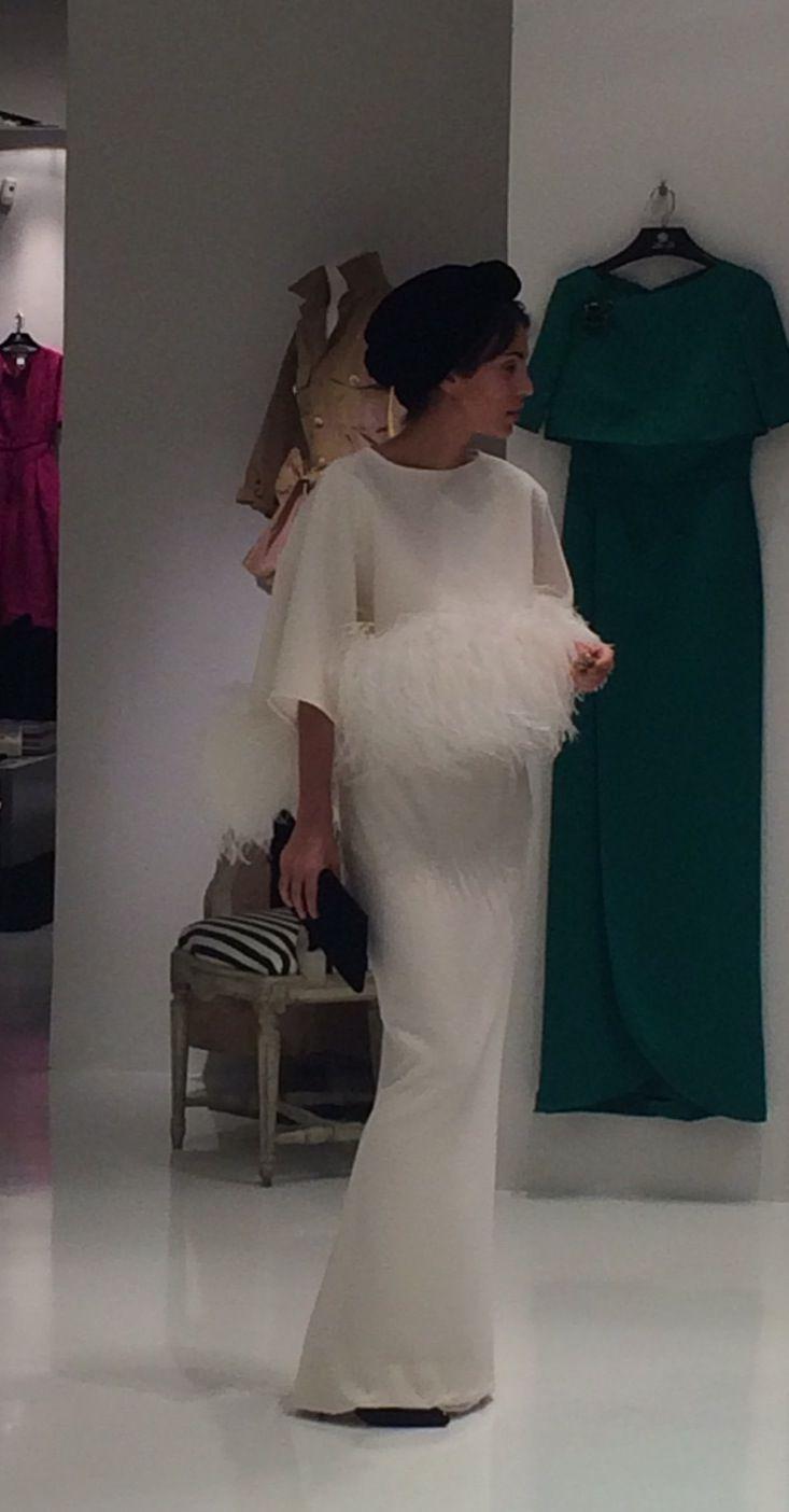 Turbante de Rosebell y vestido de Tot-Hom.                                                                                                                                                                                 Más