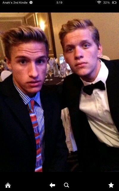 JOSH CHOMIK AND JOSH SOBO #youtubers he looks just like cody simpson oh my goodness!!!