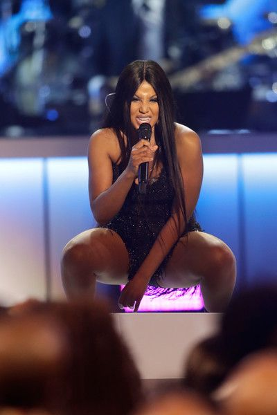 Toni Braxton performs onstage at the 2017 Soul Train Awards, presented by BET, at the Orleans Arena on November 5, 2017 in Las Vegas, Nevada. - BET Presents: 2017 Soul Train Awards - Show