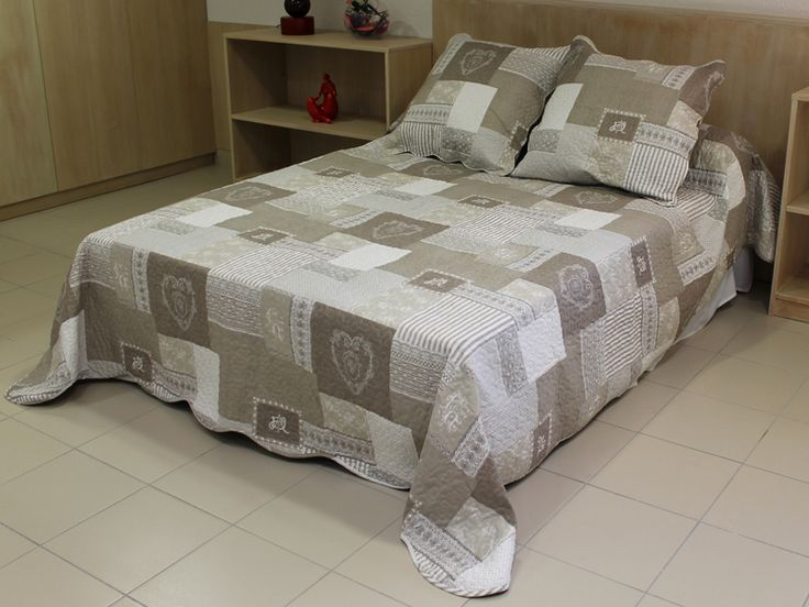 17 best images about boutis on pinterest pink quilts ps and quilt sets. Black Bedroom Furniture Sets. Home Design Ideas