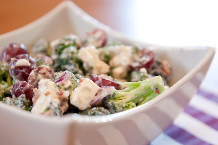 """Le goût du Ciel?? C'est dans cette salade que vous le trouverez! :) Un parfait mélange de """"crémeux"""" et de """"croquant"""", de """"sucré"""" et de """"salé"""". Bref, c'est un must! Surtout pour l'été qui s'en..."""