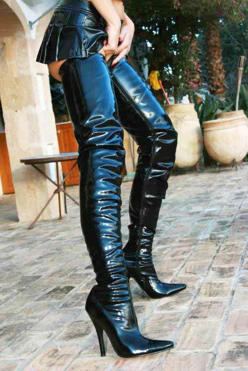 Black leather thigh crotch boots micro miniskirt