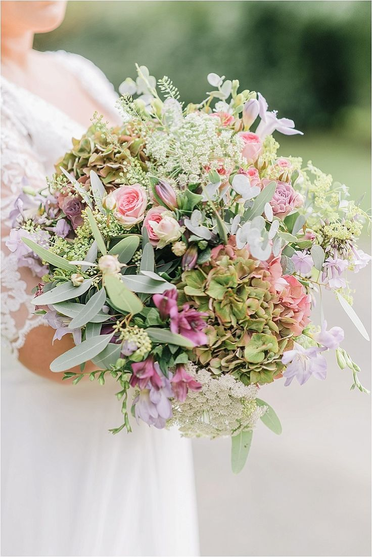 The Pheasant, Harome - GeorginaHarrisonPhotography- Autumn florals , hydrangea