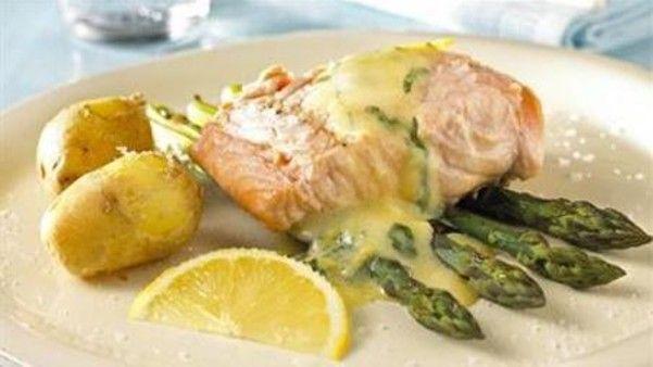 Grillet laks med asparges og bernaise