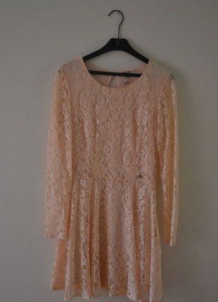Kup mój przedmiot na #vintedpl http://www.vinted.pl/damska-odziez/sukienki-wieczorowe/17489466-koronkowa-brzoskwiniowa-sukienka-cropp-s