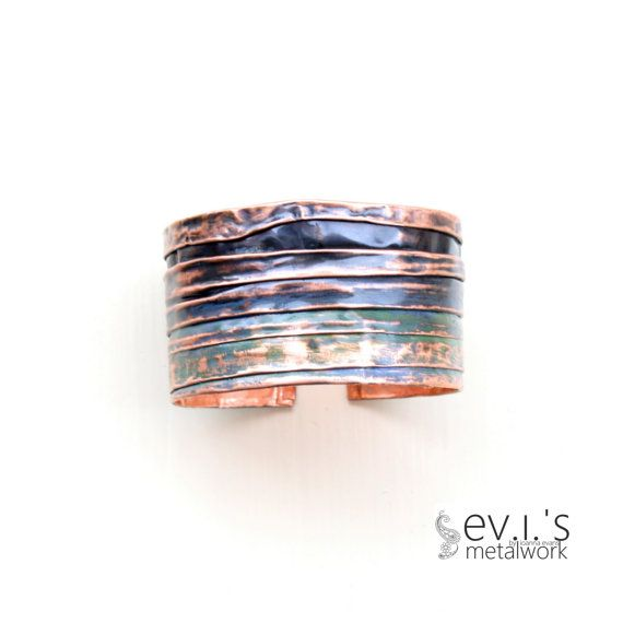 Copper Folded Bracelet Cuff Handcrafted Oxidized by evismetalwork, €24.00