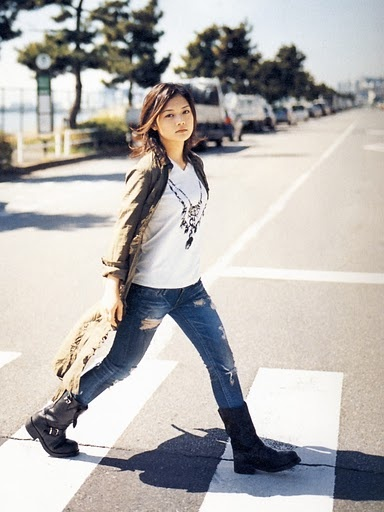 #YUI #japanese singer songwriter #fashion
