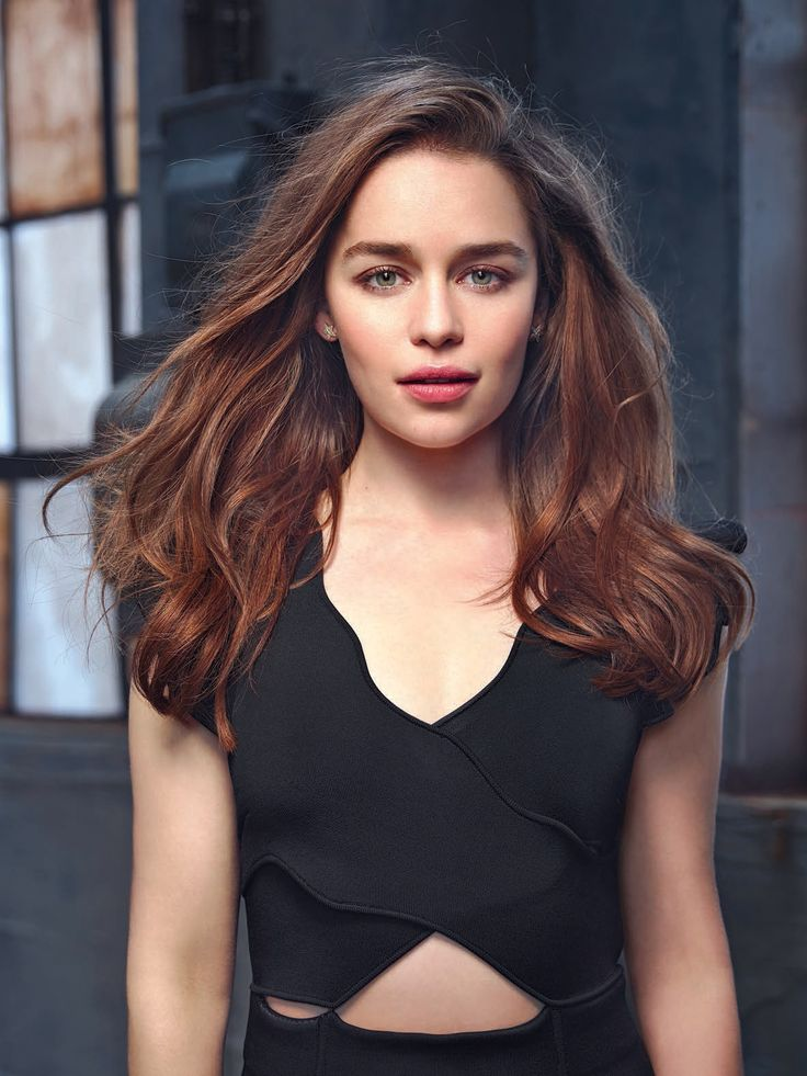 2015 - Terminator Genisys Promo - 2015 07 005 - Adoring Emilia Clarke - The Photo Gallery